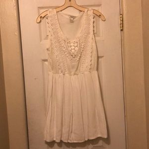 white dress w crochet lace and embroidery